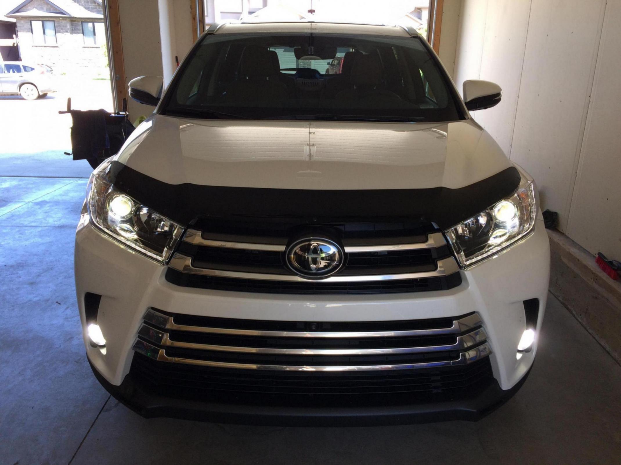 Auto Ventshade 20059 Carflector Dark Smoke Hood Shield for 2014-2018 Toyota Highlander