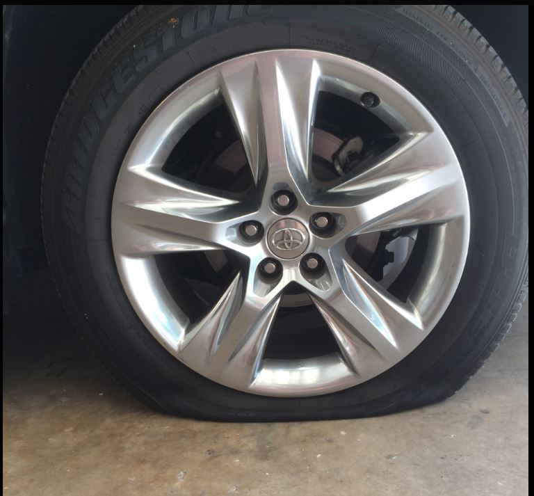 how to change tires on toyota corolla