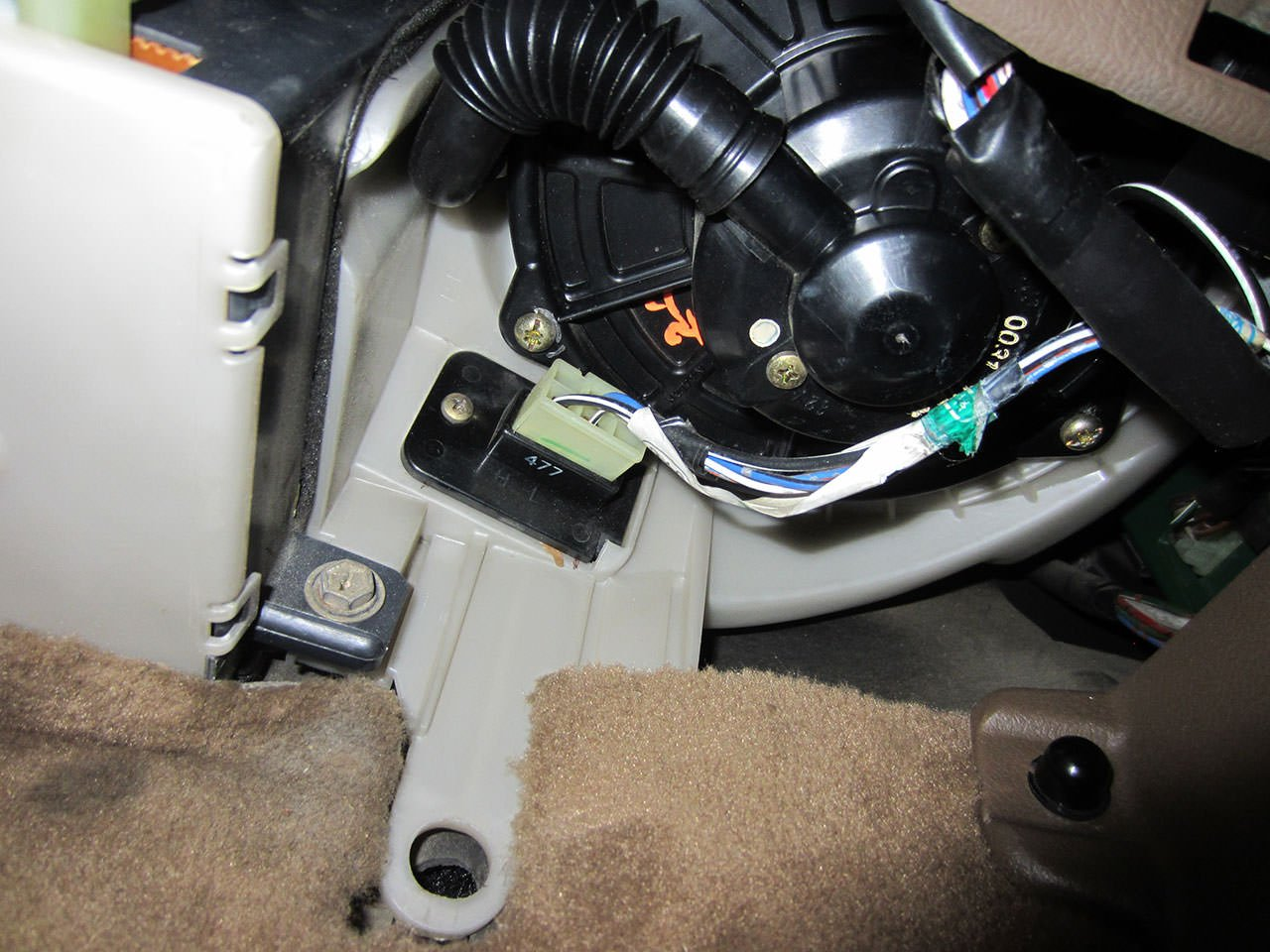 2013 2018 Toyota Tundra Double Cab Black Loop Driver /& Passenger Floor 2015 2014 2016 2017 GGBAILEY D50795-F1A-BK-LP Custom Fit Car Mats for 2012