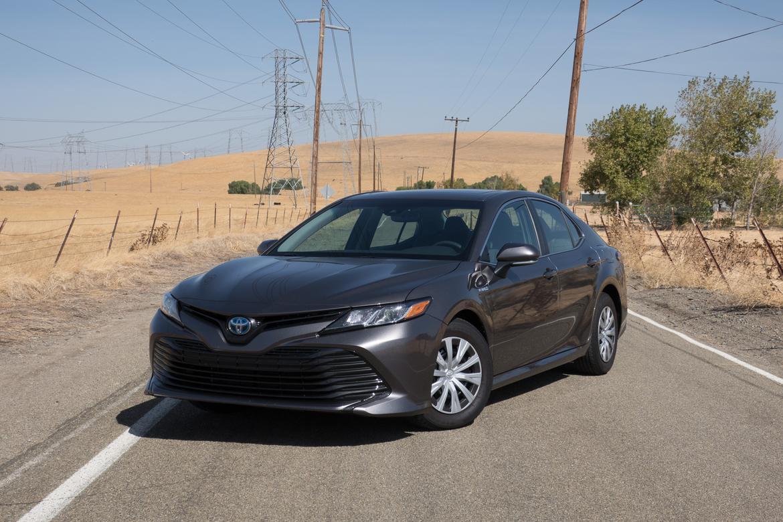 Cars com 2018 Toyota Camry Hybrid Real-World MPG   Toyota